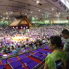 2015年の社員旅行は大相撲名古屋場所。この後、皆で貴乃花と記念写真を撮りました。(2015年7月)